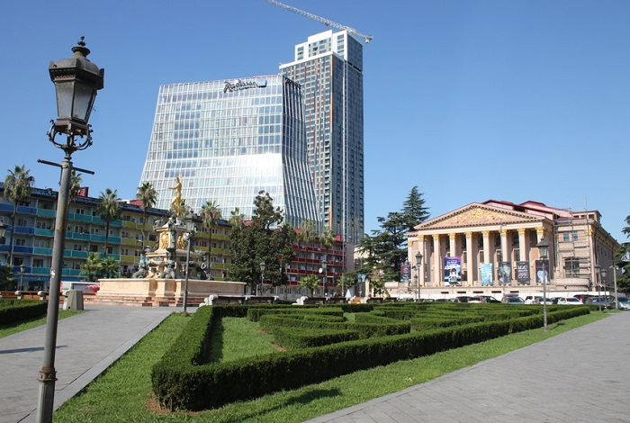 Батуми Театральная площадь