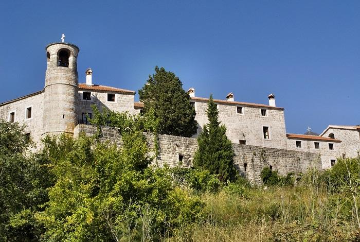 Монастырь Подмайне
