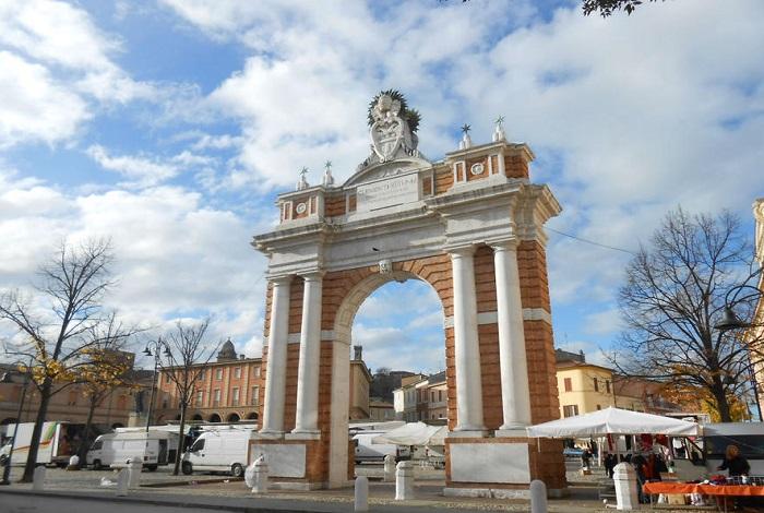 Триумфальная арка Морелли