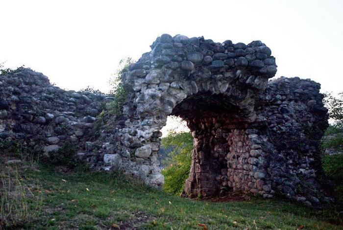 Замок Баграта в Сухуме