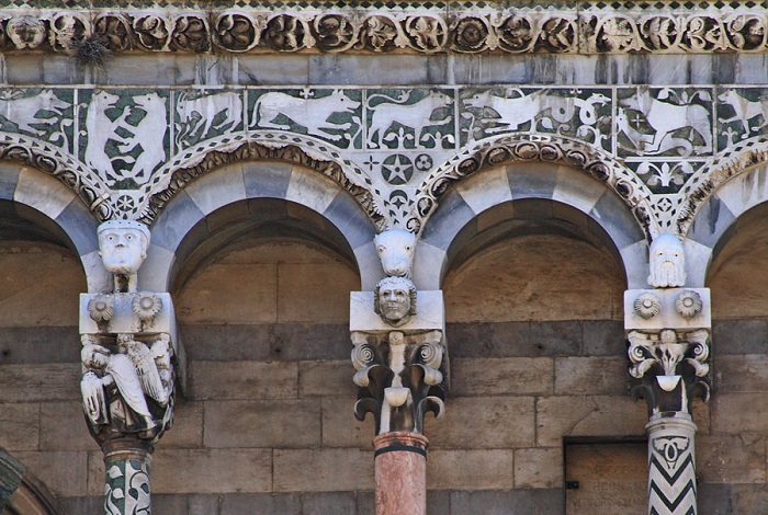 Храм Сан-Микеле-ин-Форо