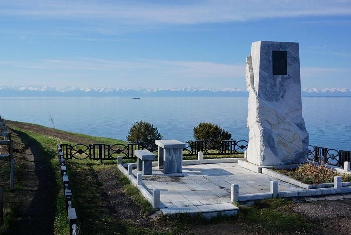 Памятник Александру Вампилову