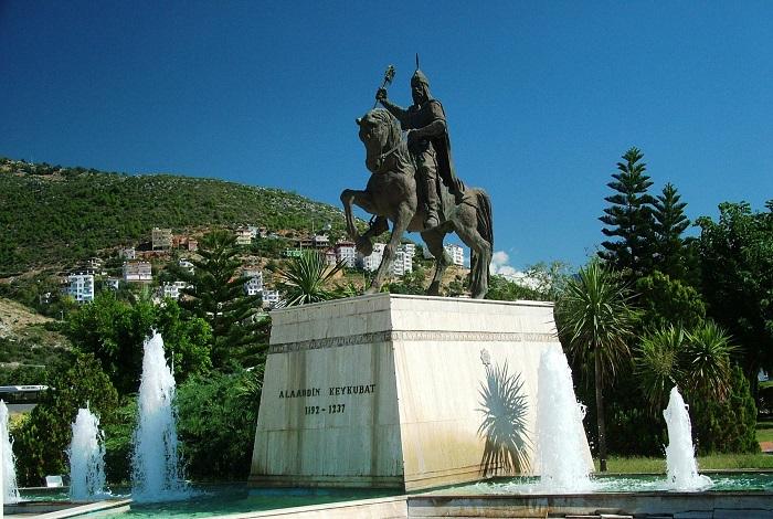 Памятник Ала ад-Дину Кей-Кубаду Первому