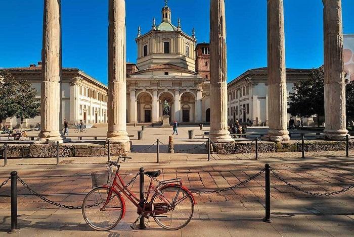 Базилика и колонны Сан-Лоренцо