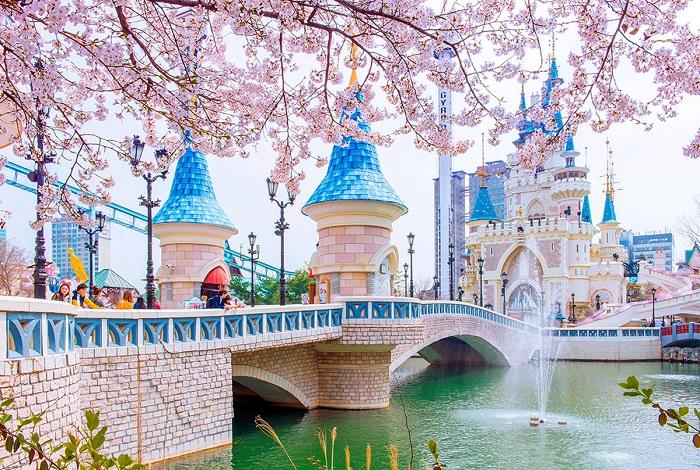 Развлекательный комплекс Lotte World