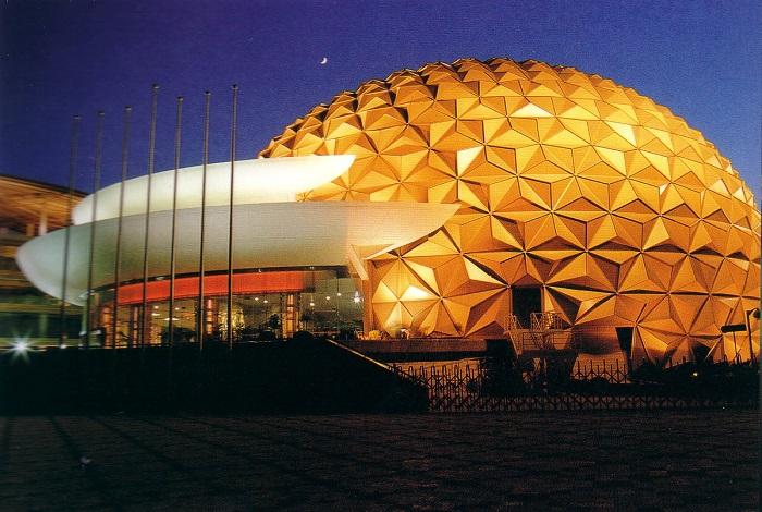 Цирк Shanghai Circus World
