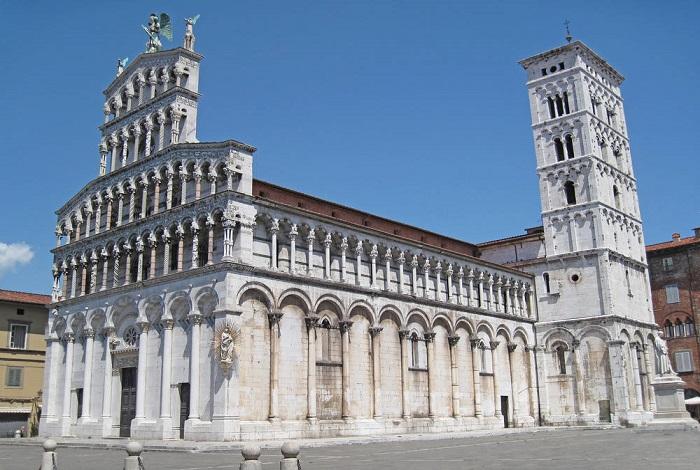 Церковь Сан-Микеле ин Форо