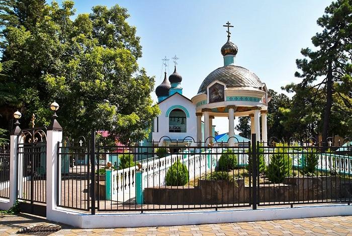 Свято-Троицкая церковь (храм Святой Троицы)