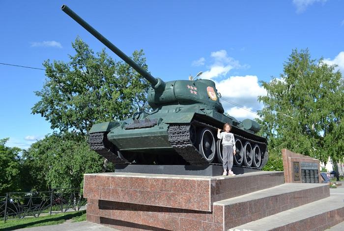 Памятник танку «Т-34»