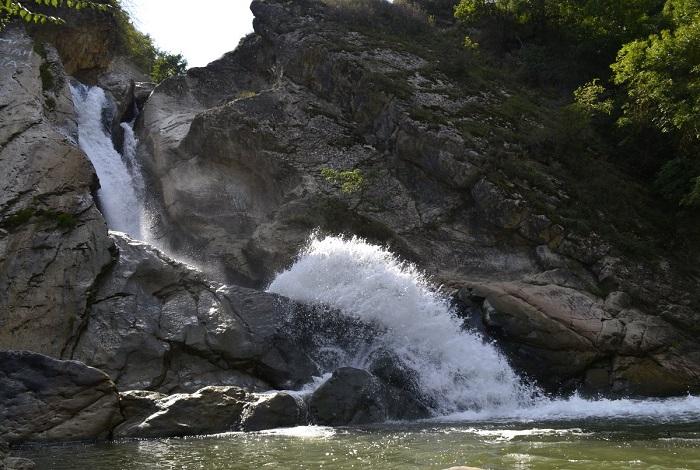 Водопад в Хучни