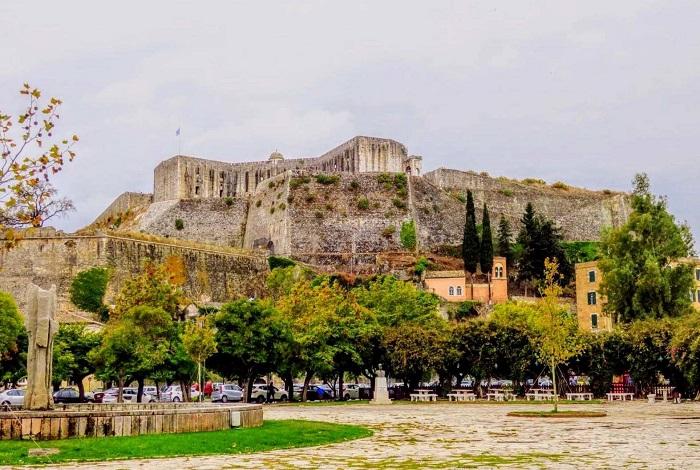 Нео Фрурио (Новая крепость)