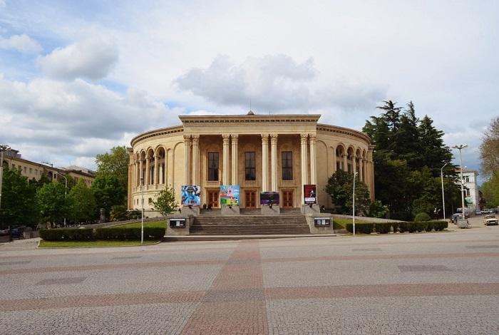 Театр им. Л. Месхишвили