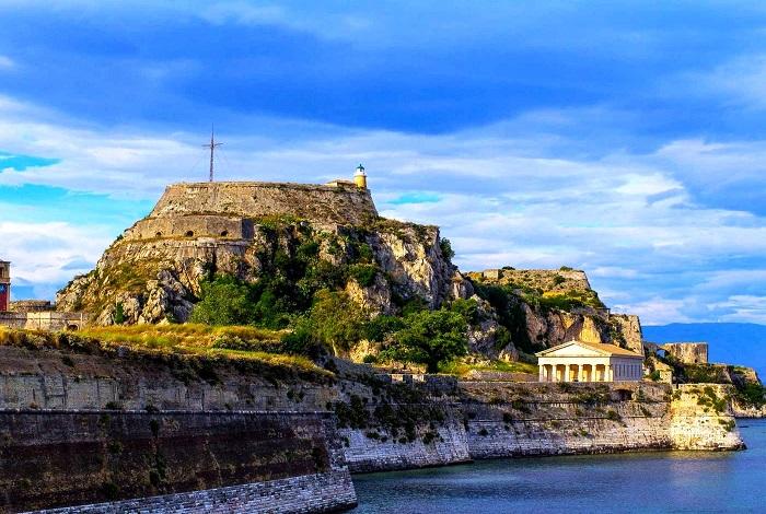 Палео Фрурио (Старая крепость)