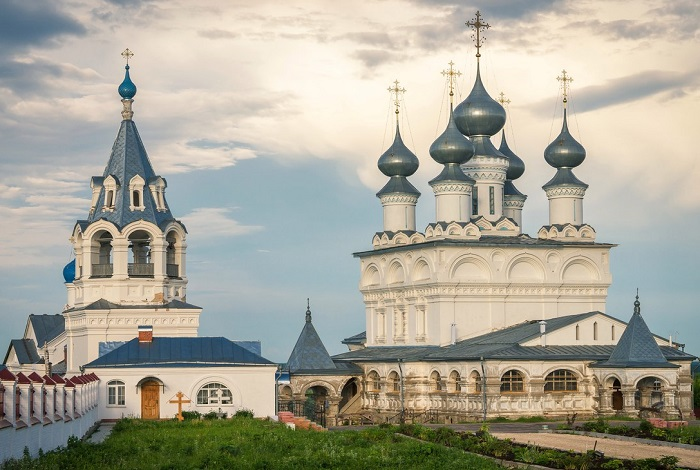 Воскресенский монастырь